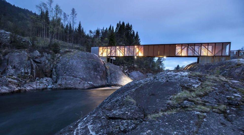 Hose-Bridge-by-Rintala-Eggertsson-Architects-00