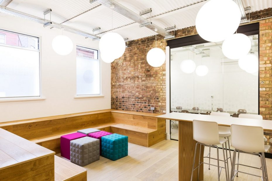 office-tiered-seating-areas (10)