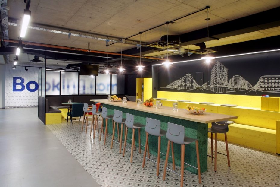 office-tiered-seating-areas (4)