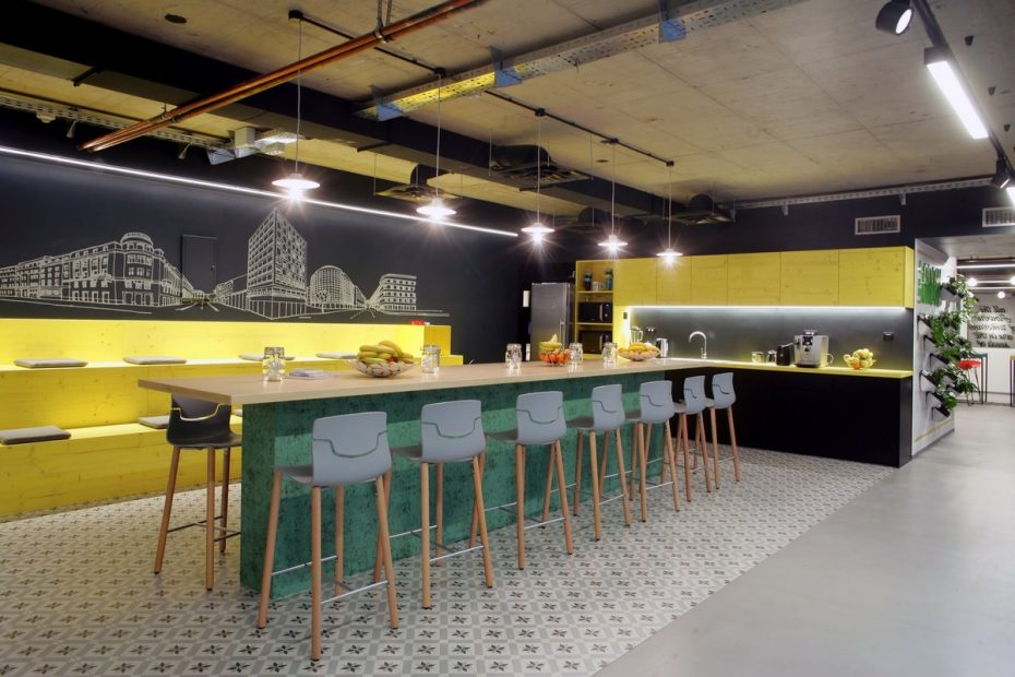 office-tiered-seating-areas (5)