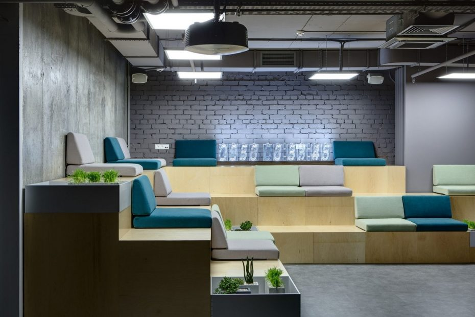 office-tiered-seating-areas (7)
